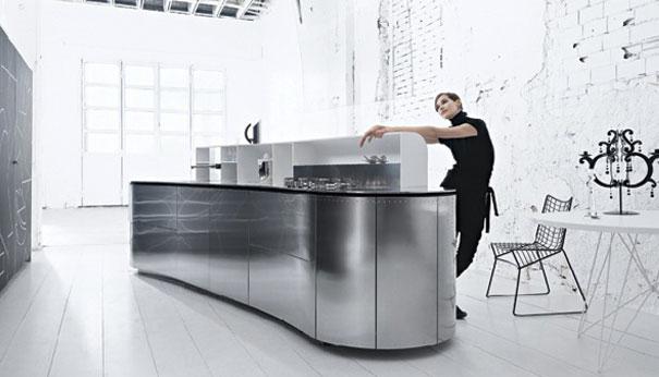 Cucina moderna con isola curva